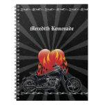 Cuaderno llameante del motorista del amor