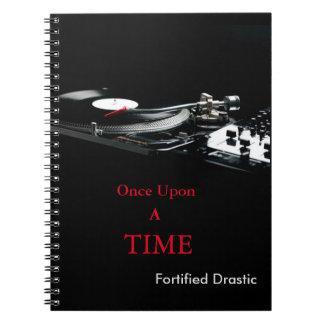 Cuaderno negro drástico fortificado del estilo de