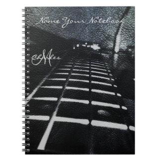 Cuaderno negro personalizado de la música de la