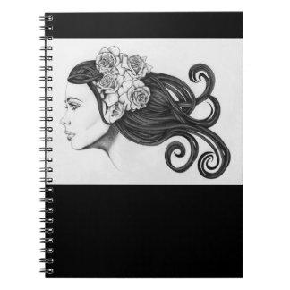 Cuaderno negro y blanco de la belleza clásica