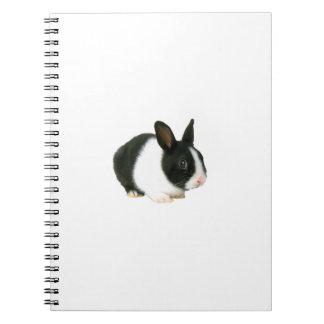 Cuaderno negro y blanco del conejo de conejito