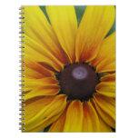Cuaderno observado negro de la flor de Susan