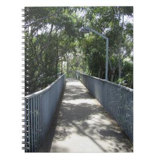 Cuaderno peatonal del paso superior