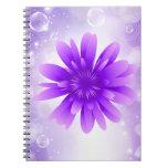 Cuaderno púrpura de la flor
