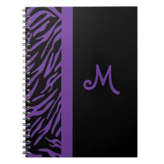 Cuaderno púrpura del monograma de la raya de la ce