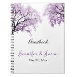 Cuaderno púrpura en colores pastel de los árboles