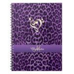 Cuaderno púrpura personalizado del corazón de la