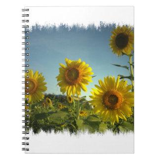 Cuaderno que cultiva un huerto orgánico