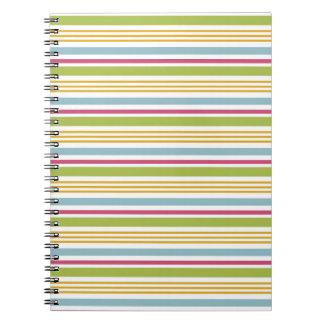 Cuaderno rayado colorido (raya verde grande)