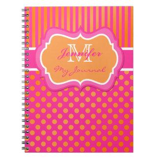 Cuaderno rayado del diario del lunar anaranjado ro