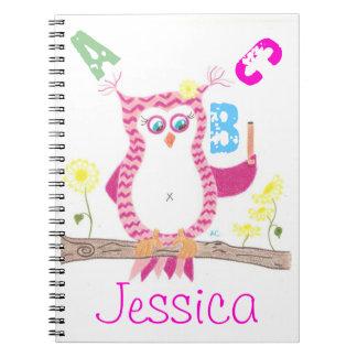 Cuaderno rosado del profesor del búho