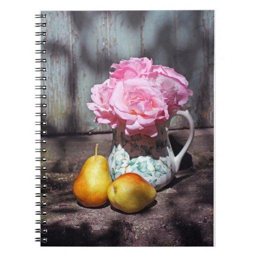 Cuaderno rosado del vintage de los rosas y de las