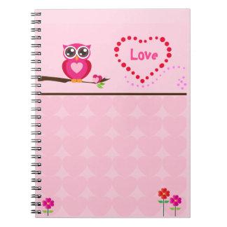 Cuaderno rosado lindo del búho