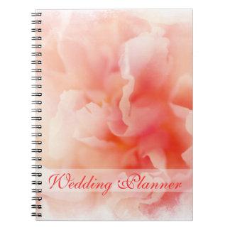 Cuaderno rosado mullido bonito del planificador de