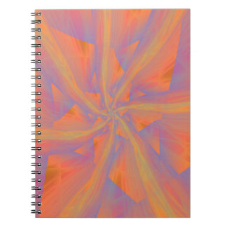 Cuaderno rosado y violeta anaranjado de los brazos