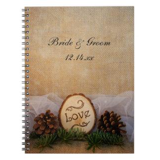 Cuaderno rústico del boda del arbolado de los pino
