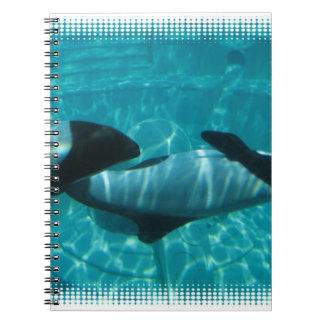 Cuaderno subacuático de las ballenas