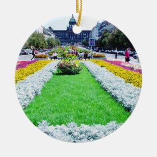 cuadrado amarillo de Wencelas que mira hacia el na Ornamentos Para Reyes Magos