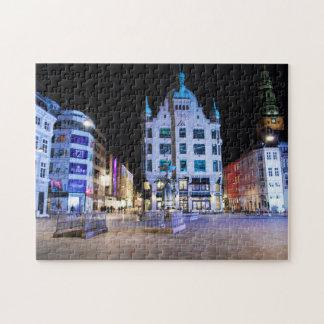 Cuadrado de ayuntamiento de Copenhague en la noche Puzzles