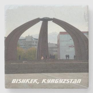 Cuadrado de la victoria de Bishkek Kirguistán - Posavasos De Piedra