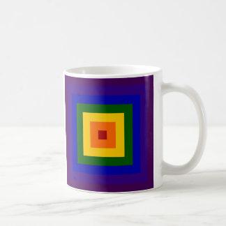 Cuadrado del arco iris taza básica blanca
