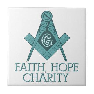 Cuadrado del Freemason y caridad de la esperanza Azulejo Cuadrado Pequeño
