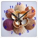 Cuadrado del reloj de la flor del Seashell