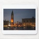 Cuadrado macro de Venecia - de San en la noche Tapete De Ratón