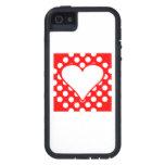 Cuadrado rojo del corazón de los lunares iPhone 5 Case-Mate funda