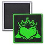 Cuadrado verde y negro de Claddagh Imanes De Nevera