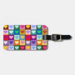Cuadrados coloridos del corazón etiquetas para equipaje