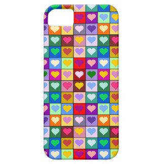 Cuadrados coloridos del corazón iPhone 5 carcasas