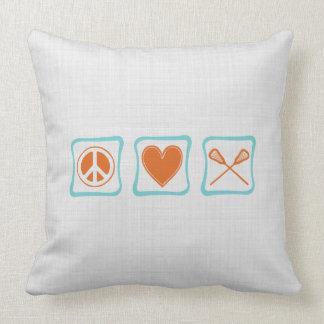 Cuadrados de LaCrosse del amor de la paz Cojín