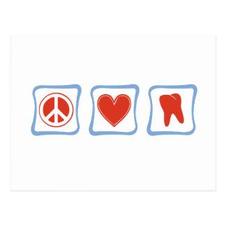 Cuadrados de los dentistas del amor de la paz postales