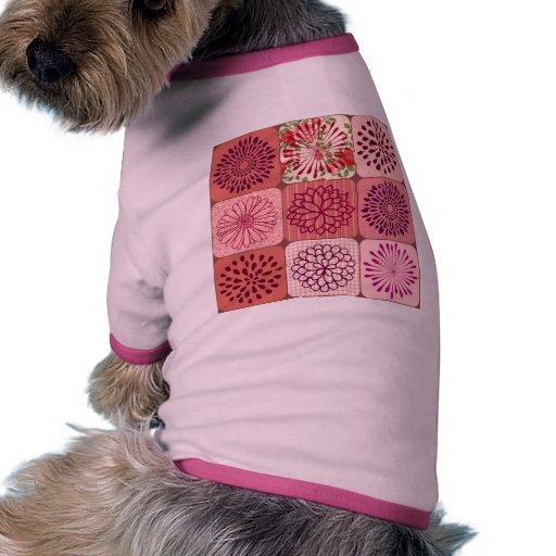Cuadrados florales del rosa del collage de la flor ropa de perros