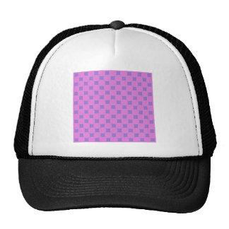 Cuadrados geométricos de la lila de la lavanda del gorras de camionero