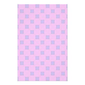Cuadrados geométricos de la lila de la lavanda del papelería