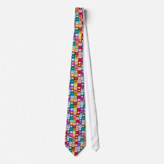 Cuadrados multicolores del corazón corbata personalizada