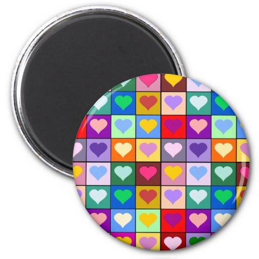Cuadrados multicolores del corazón imán