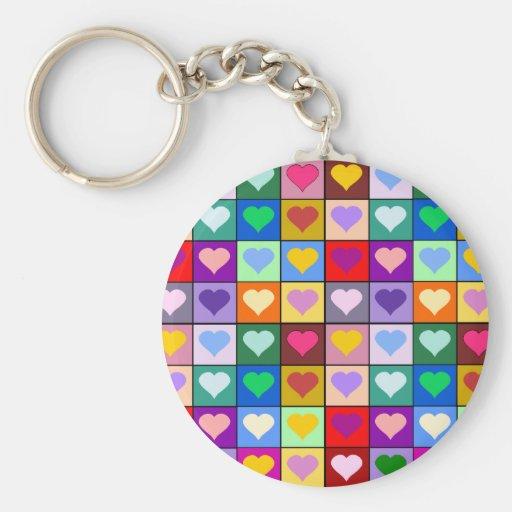 Cuadrados multicolores del corazón llavero redondo tipo pin