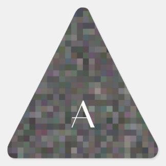 Cuadrados negros del mosaico del monograma pegatina triangular
