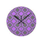 cuadrados o diamantes grises púrpuras relojes