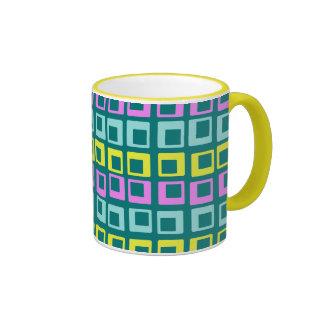 Cuadrados retros de salto locos del vintage en taza de dos colores