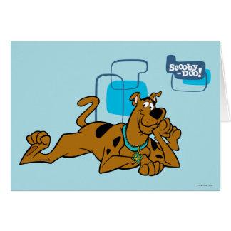 Cuadrados retros Scooby-Doo que se acuesta Tarjeta De Felicitación