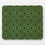 Cuadrados retros - verde del aguacate en negro alfombrilla de raton