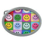 Cuadrados sonrientes de la cara del arco iris hebillas cinturon