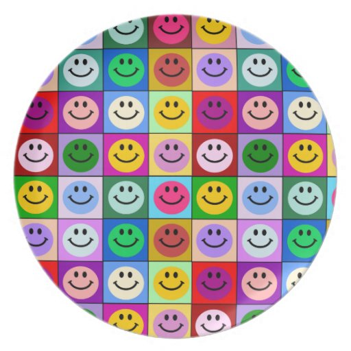 Cuadrados sonrientes de la cara del arco iris platos