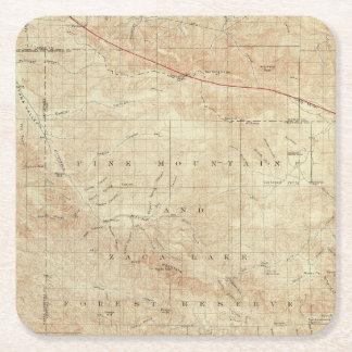 Cuadrilátero del Mt Pinos que muestra la grieta de Posavasos Desechable Cuadrado