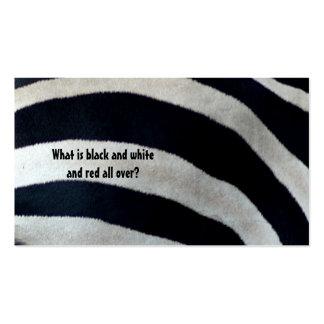 Cuál es blanco y negro y rojo… tarjetas de visita
