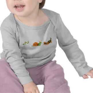 Cuál son los niños pequeños hechos camiseta
